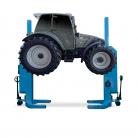 Overlander breidt uit met mobiele hefkolommen voor tractoren
